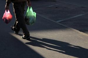 Пакеты стали самым продаваемым товаром в российских магазинах