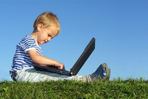 МегаФон рассказал о том, как отпустить детей в Интернет