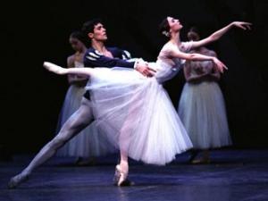 Спонсором балета в Большом театре стал производитель сигарет Sobranie