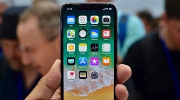 Apple раскритиковали за обман покупателей iPhone X