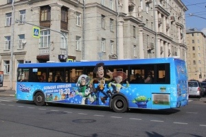 TMG и Posterscope запустили креативные автобусы для Канала Disney