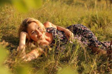 Eva Mayer Возводит Белую Поэзию на Новый Уровень с Альбомом «ME»