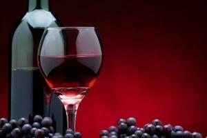 Медведев реабилитировал вино - его можно будет рекламировать как сельхозпродукт