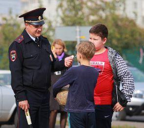 Мужчина поблагодарил сотрудников полиции Зеленограда за помощь его несовершеннолетнему сыну