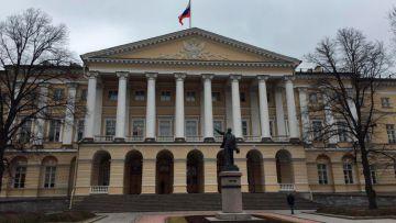 Итоги лета: в Смольном создано два сомнительных комитета
