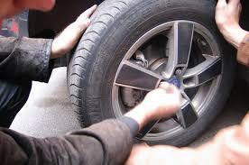 Полицейские ОМВД России по району Крюково по «горячим следам» задержали подозреваемого в краже автомобильных колес