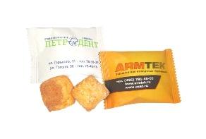 Печенье в упаковке флоу-пак с логотипом