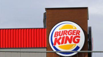 На Burger King подали в суд за рекламу в концлагере Дахау