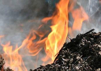 Возгорание мусора на Тепличной в Краснодаре тушили 6 часов