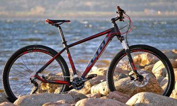Горные велосипеды: прочные и универсальные модели для любителей экстрима