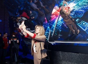 «Гефест Проекция» реализовала интерактивную зеркальную инсталляцию  для Upside Agency