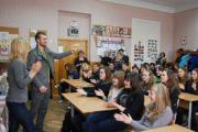 Тамерлан и Алена Омаргалиева продолжают поддерживать акцию «Звезды против детской жестокости»
