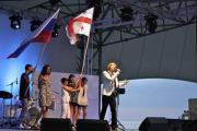 Саша Лавер во время исполнения грузинской песни