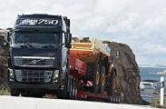 Volvo Trucks отмечает юбилей с флагманским грузовым автомобилем Volvo FH 750 л.с.