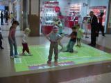 Интерактивный пол является сегодня одним из самых любимых детских развлечений