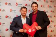 LG Electronics подводит итоги работы по проекту «Корпоративное волонтерство в области донорства крови» в 2011 году: Донорская акция на Всероссийском молодежном форуме «Селигер 2011» занесена в Книгу Рекордов России