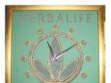 Дизайнерские часы из песка с логотипом
