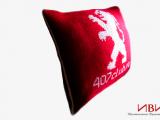 Пледы декоративные подушки с логотипом