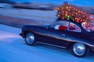 Елка на дрифте: лучшая новогодняя реклама автомобилей