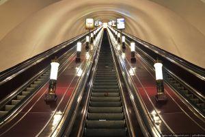 Объявлен конкурс на размещение рекламы в петербургском метро в течение 10 лет