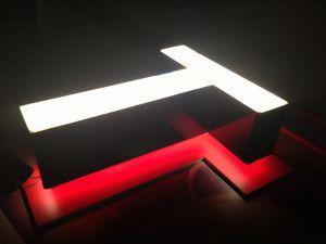Буквы с контр-ажурной подсветкой