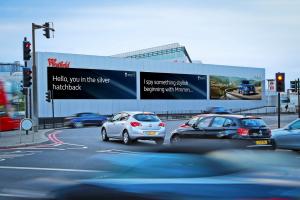 В Renault придумали новый способ рекламы