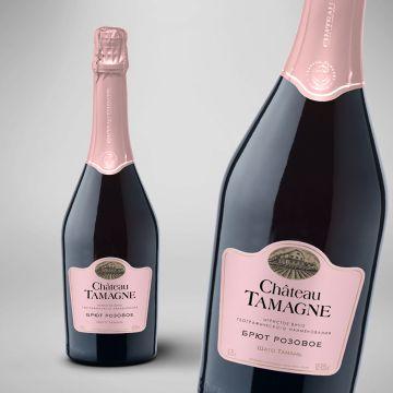 Игристый розовый брют марки «Шато Тамань» выпустила винодельня «Кубань-Вино»