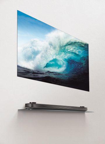 Компания LG намерена стать лидером глобального рынка телевизоров, реализуя стратегию развития сразу в двух премиальных сегментах