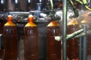 Изгоняющий пластик: пиво в ПЭТ-бутылках будет вне закона