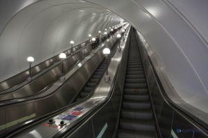 Аукцион на размещение рекламы в метро Петербурга хотят отменить