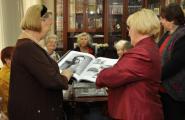 Уникальная коллекция книг подарена в библиотеку центра соцобслуживания ЦАО