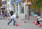 АЗИМУТ Отель Самара поздравил всех с праздником  - шариками