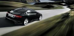 Коллекция фирменных аксессуаров в подарок при приобретении Jaguar с пробегом