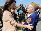 На Поклонной горе прошла акция от AMF, Марины Лизоркиной и звезд эстрады в честь дня Победы.