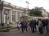 В центре Санкт-Петербурга на площади Островского на несколько часов вырос парк аттракционов «Карат»